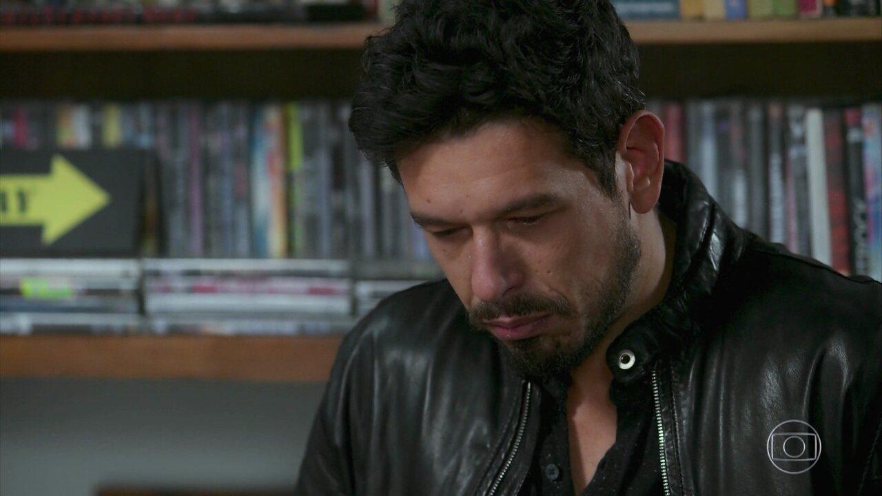 Alain relembra traição de Isabel