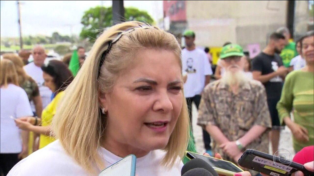 Ex-mulher de Bolsonaro volta a negar acusações que fez no processo de separação