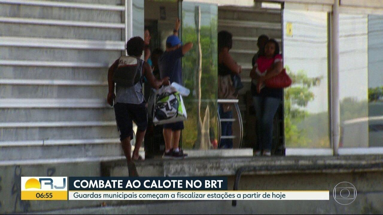 Guarda municipal do Rio começa a fiscalizar estações do BRT