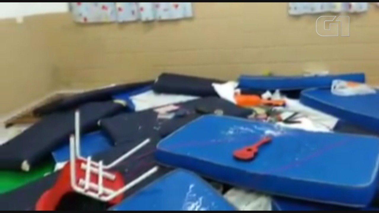 Vândalos invadem escola e destroem materiais e salas de aula em Itanhaém, SP