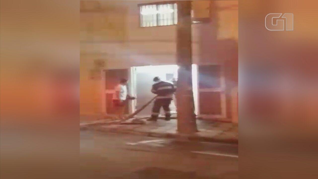 Superaquecimento de peça causa incêndio em escritório de Sorocaba