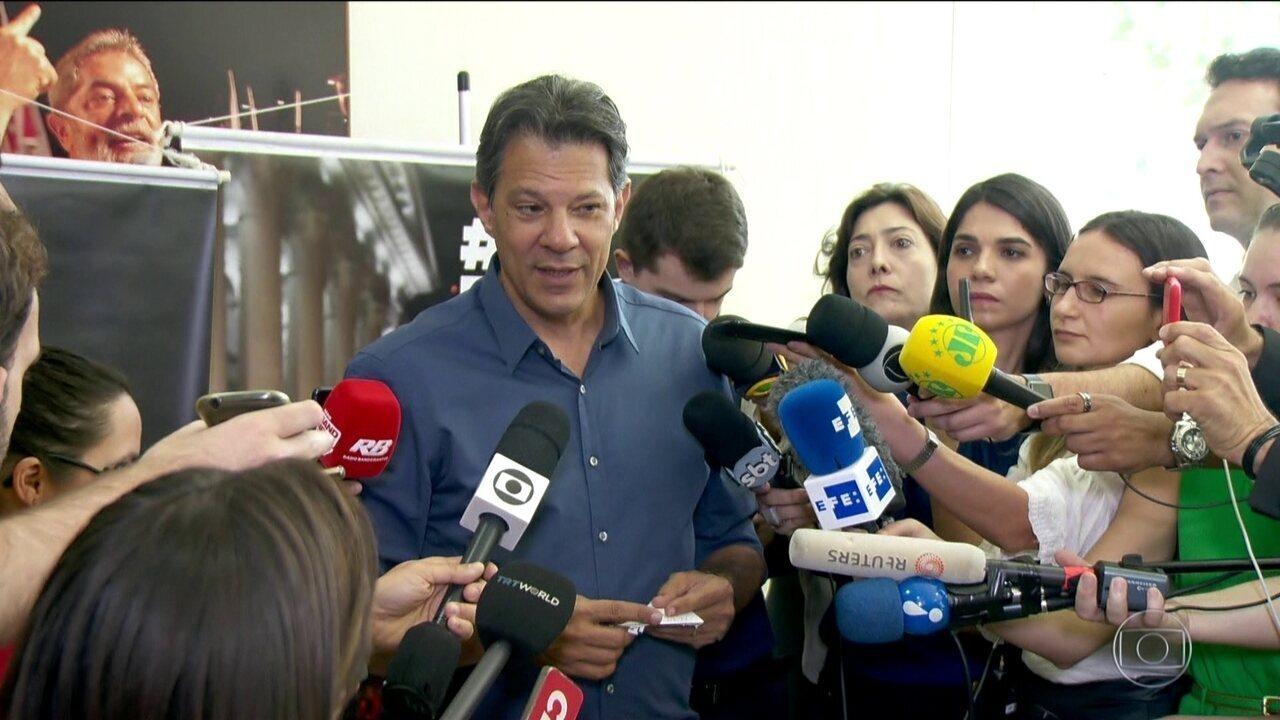 Candidato do PT, Fernando Haddad, fez campanha em São Paulo