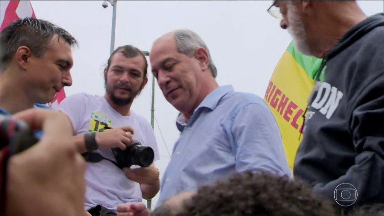 Ciro Gomes, do PDT, faz campanha no Rio de Janeiro