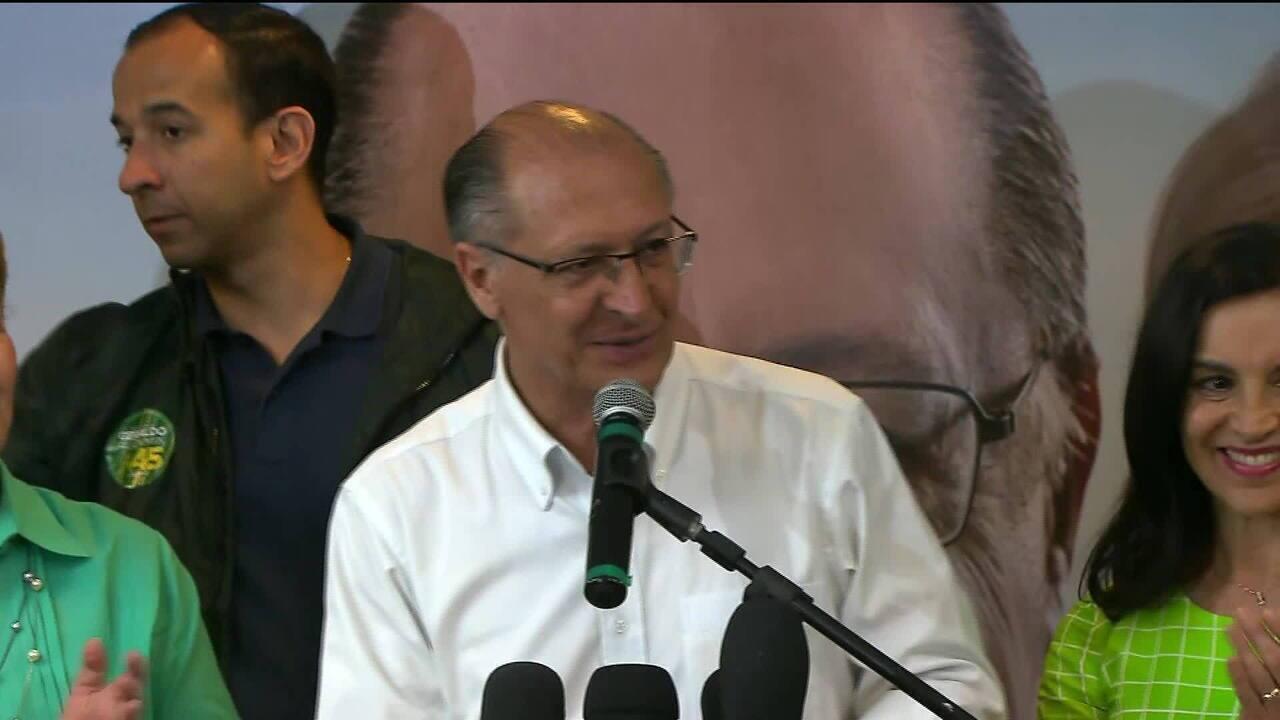 Geraldo Alckmin dá entrevista após confirmação de resultado do primeiro turno das eleições