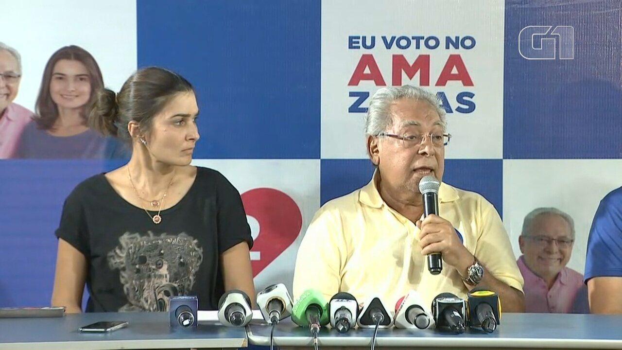 Candidato ao governo pelo PDT, Amazonino Mendes participa de coletiva de imprensa