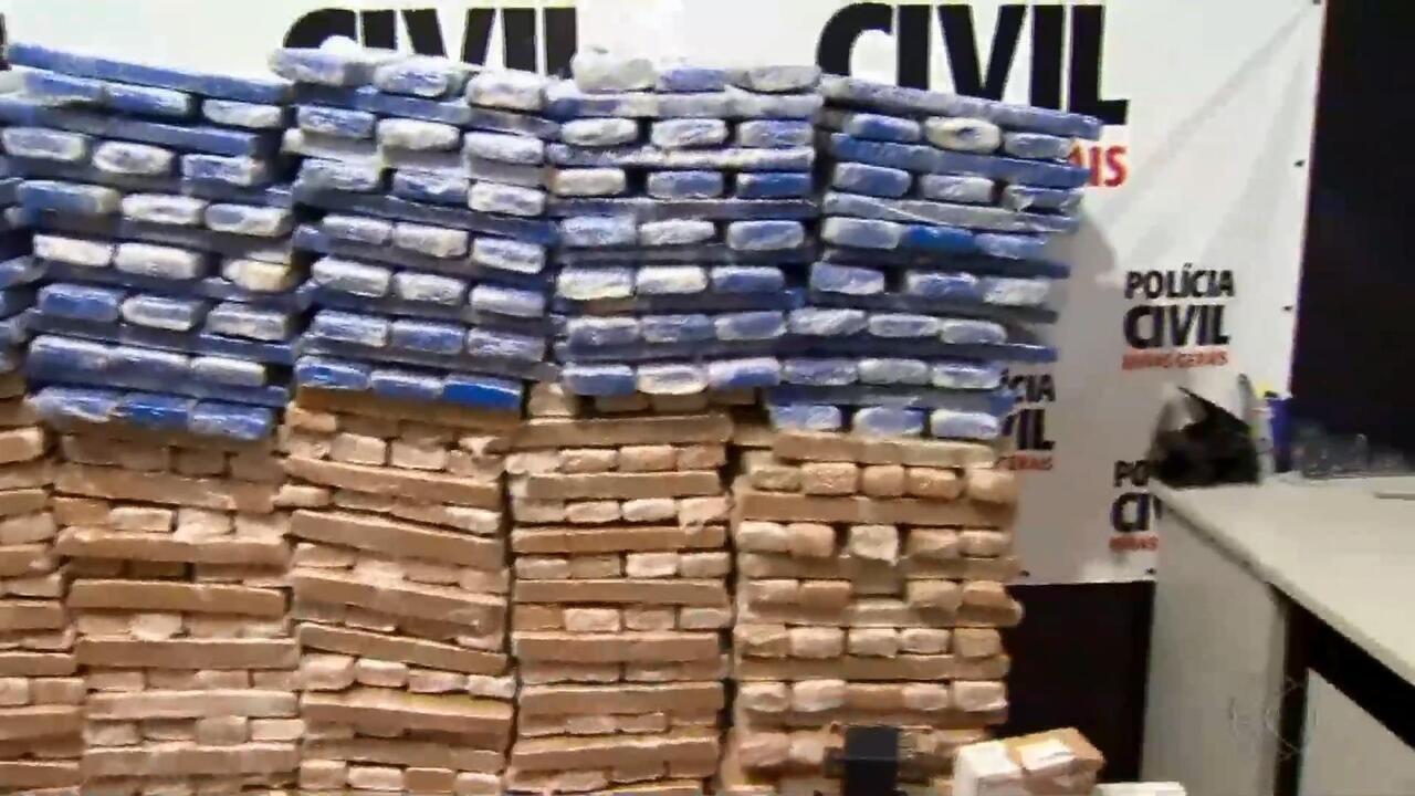 Operação da Delegacia Antidrogas da Polícia Civil apreende centenas de tabletes de maconha em Juiz de Fora