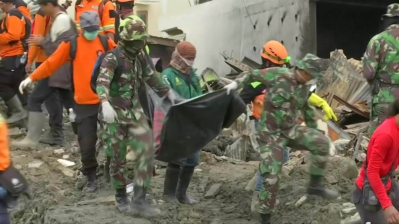 Governo adia fim das operações de busca após terremoto e tsunami na Indonésia