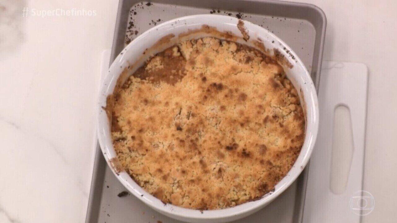 Chef Carole Crema ensina a turma do 'Super Chefinhos' a fazer crumble