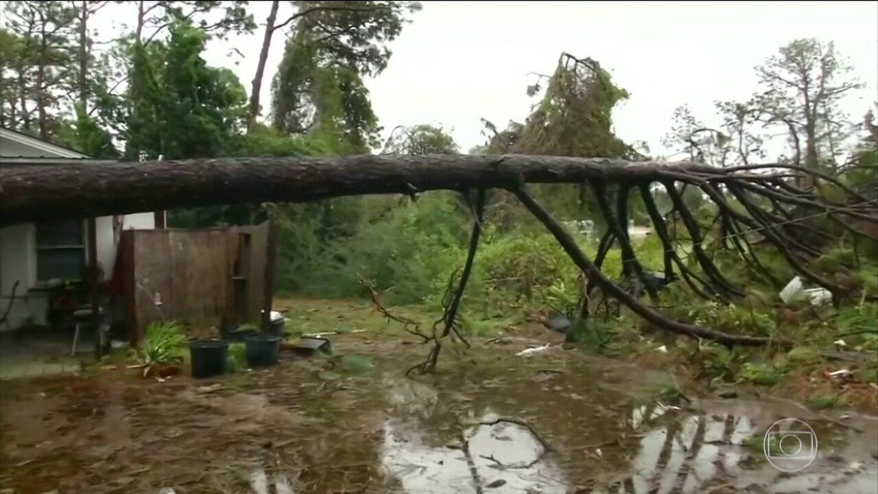 Duas pessoas morrem na passagem de furacão nos Estados Unidos