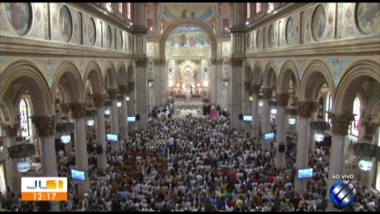 Imagem original de Nossa Senhora de Nazaré desce do Glória, na Basílica Santuário