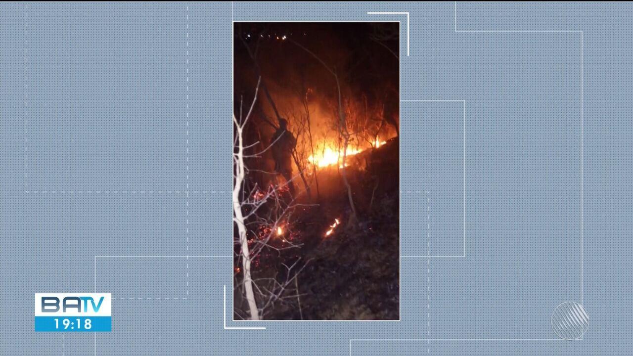 Incêndio atinge a Serra da Bandeira, em Barreiras