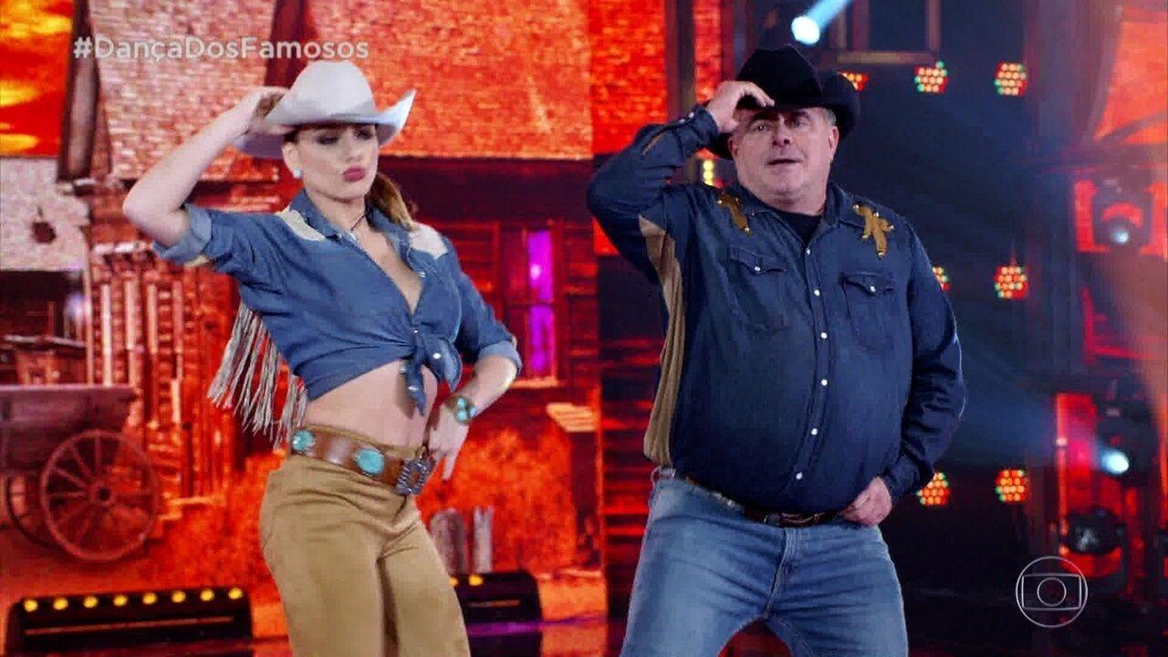 Leo Jaime se apresenta no 'Dança dos Famosos'