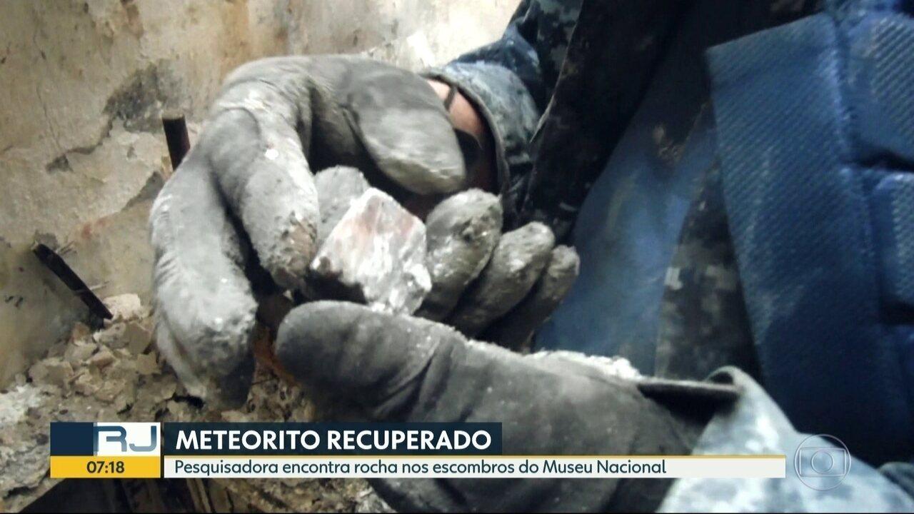 Meteorito de bilhões de anos é encontrado nos escombros do Museu Nacional