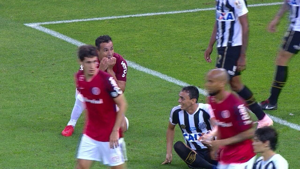 Melhores momentos  Internacional 2 x 2 Santos pela 30ª rodada do  Brasileirão 2018 79c4862da7ae5