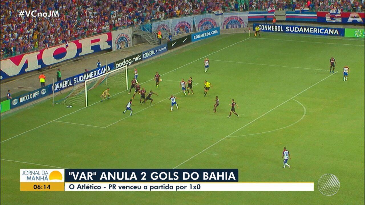 Polêmica: com dois gols anulados, Bahia perde para o Atlético-PR na Sul-Americana