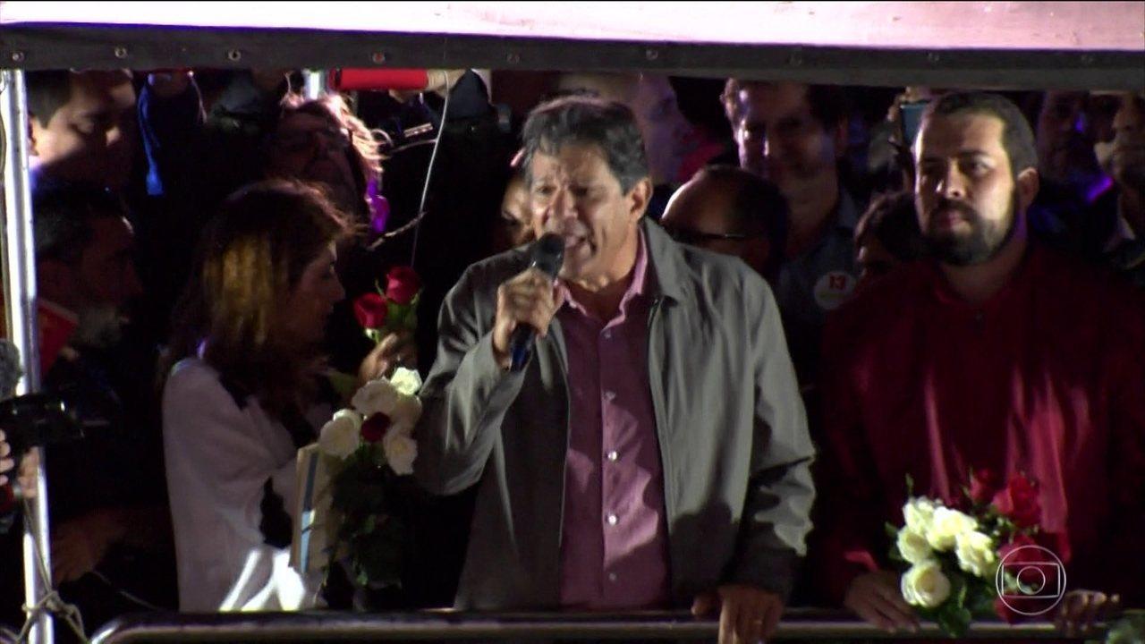 Fernando Haddad faz campanha em São Paulo nesta quinta-feira (25)