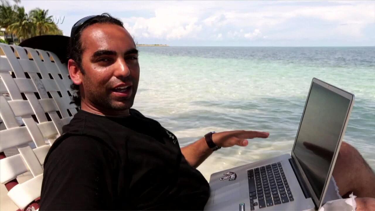 Cristian Dimitrius revela curiosidade na beira de praia paradisíaca