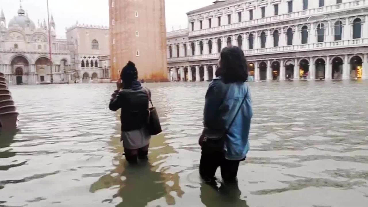 Mau tempo causa inundações em Veneza, na Itália