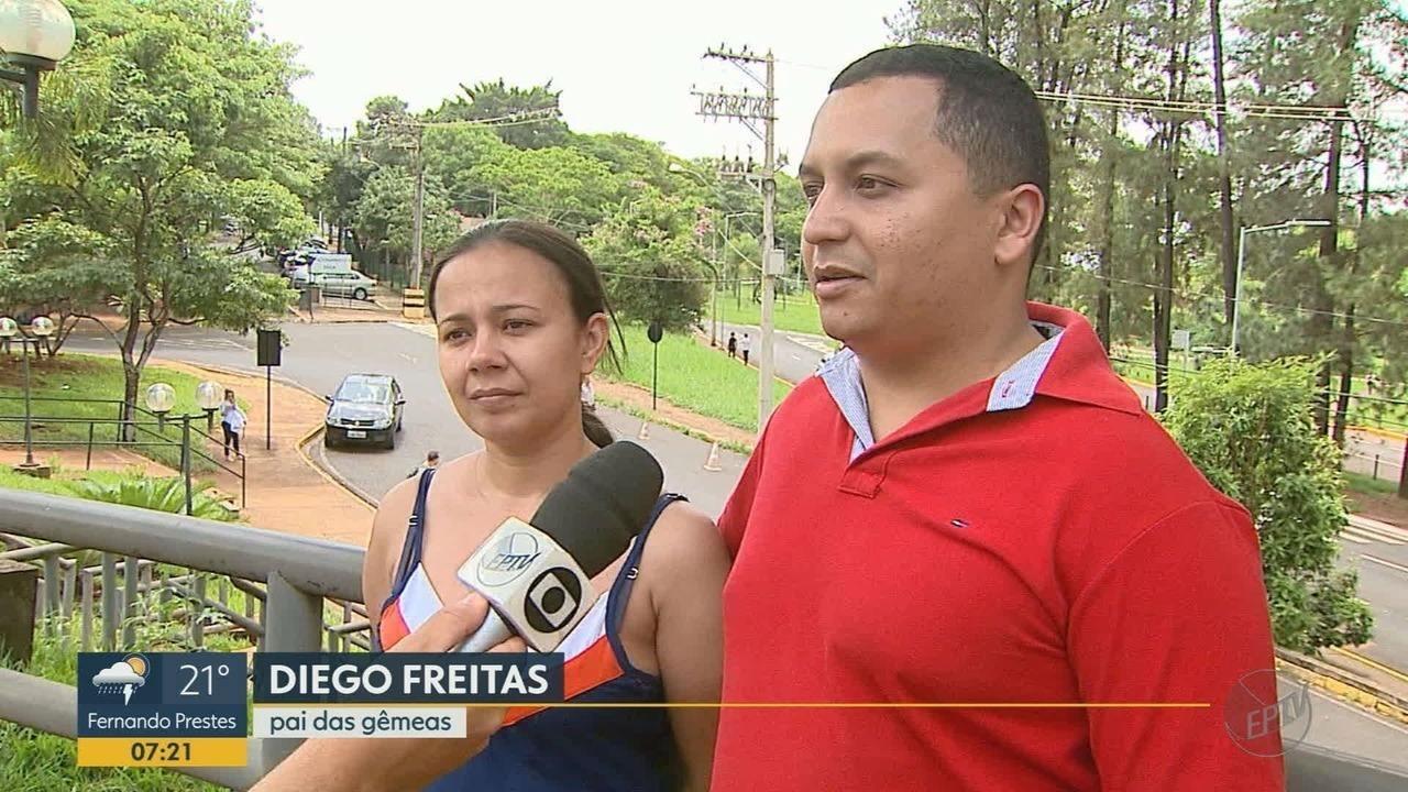 Pais de gêmeas separadas após 5 cirurgias falam pela 1ª vez sobre planos para o futuro