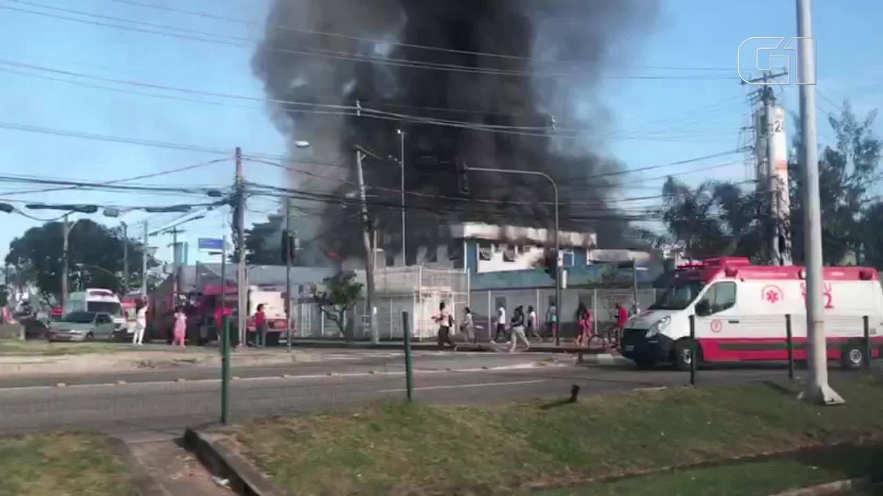 Incêndio atinge parte do complexo do Hospital Lourenço Jorge, na Barra da Tijuca