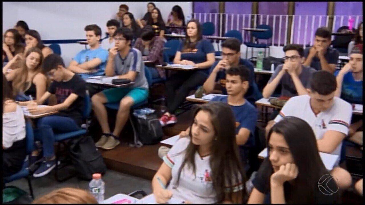 Mais de oito mil estudantes prestarão o Enem neste domingo em Divinópolis