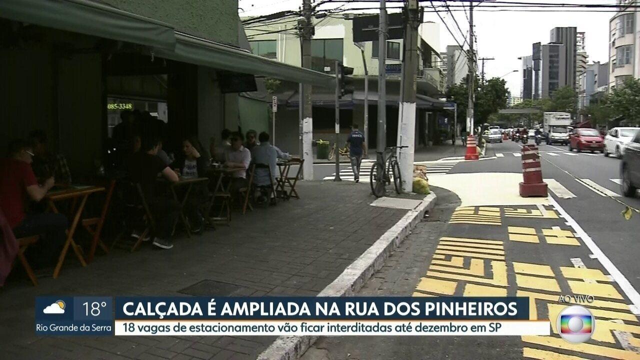 Durante 35 dias calçadas da Rua dos Pinheiros terão mais espaço para pedestres