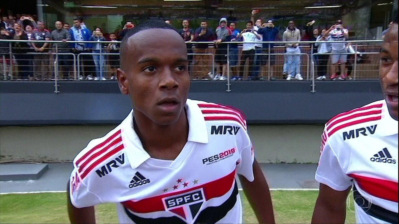 Helinho brilha em empate do São Paulo contra o Flamengo