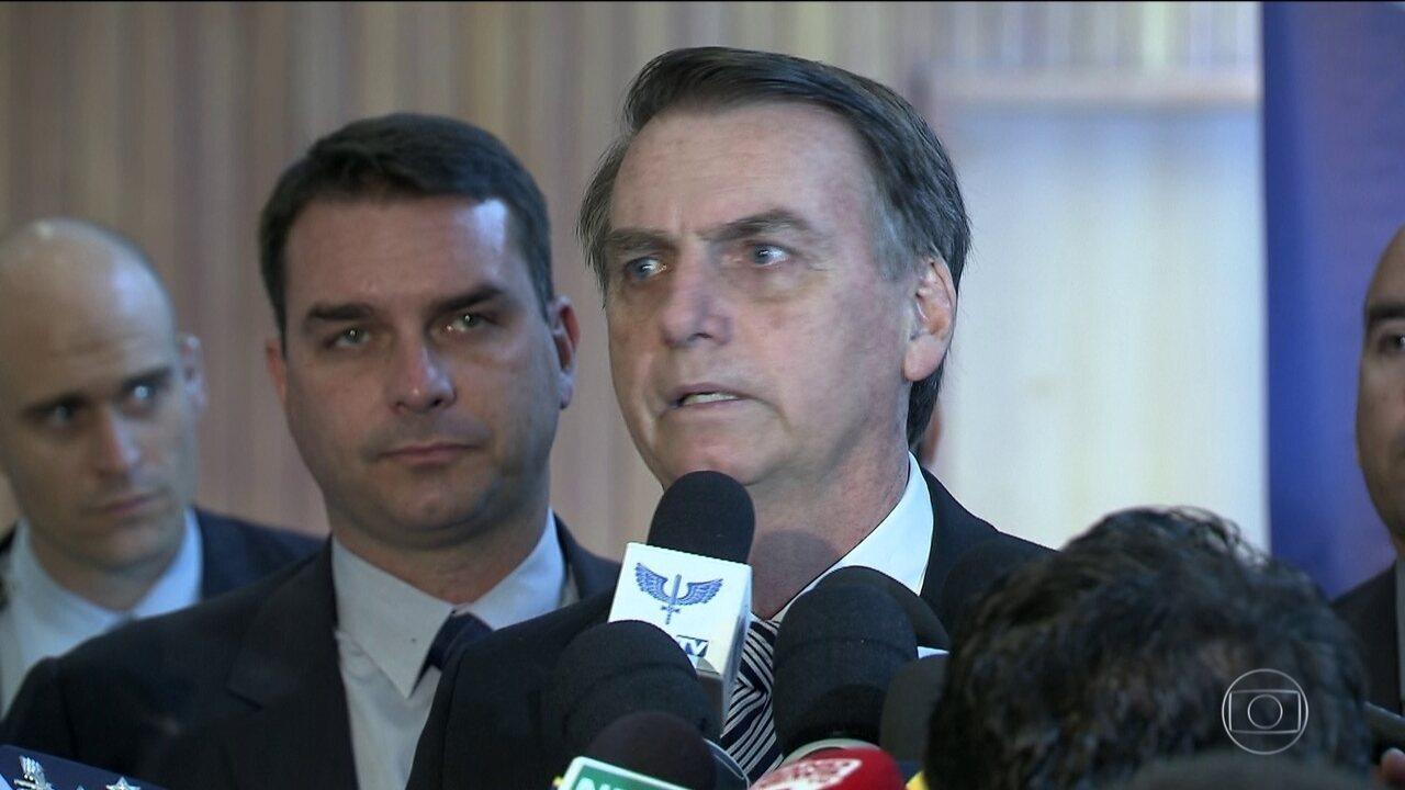 Bolsonaro diz que Guedes deveria ter usado a palavra 'convencimento', e não 'prensa'