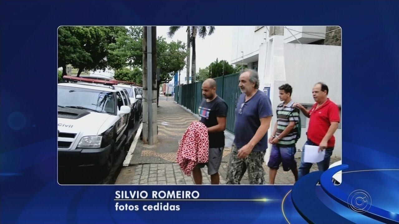 Gil, ex-atacante do Corinthians, é solto após ser detido por não pagar pensão alimentícia
