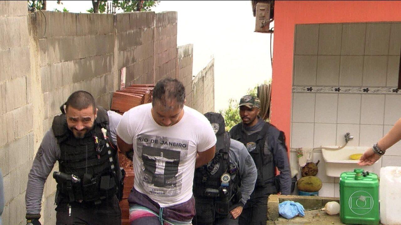 Polícia Civil prende grupo acusado de vender medicamentos controlados e proibidos