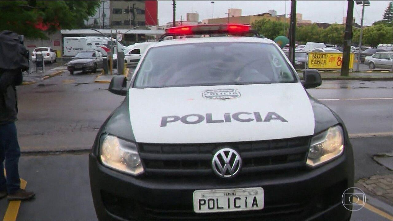 Polícia ouve mais dois suspeitos de envolvimento na morte do jogador Daniel Correa.