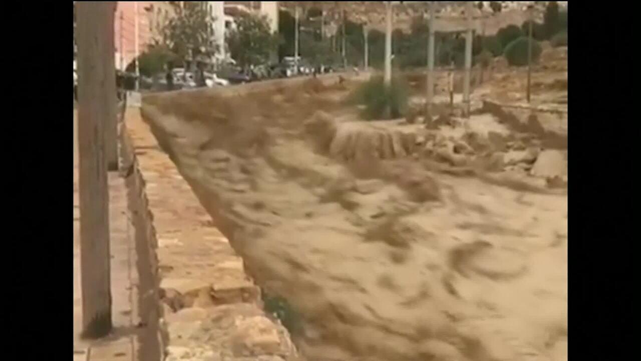Enchentes deixam ao menos 11 mortos na Jordânia