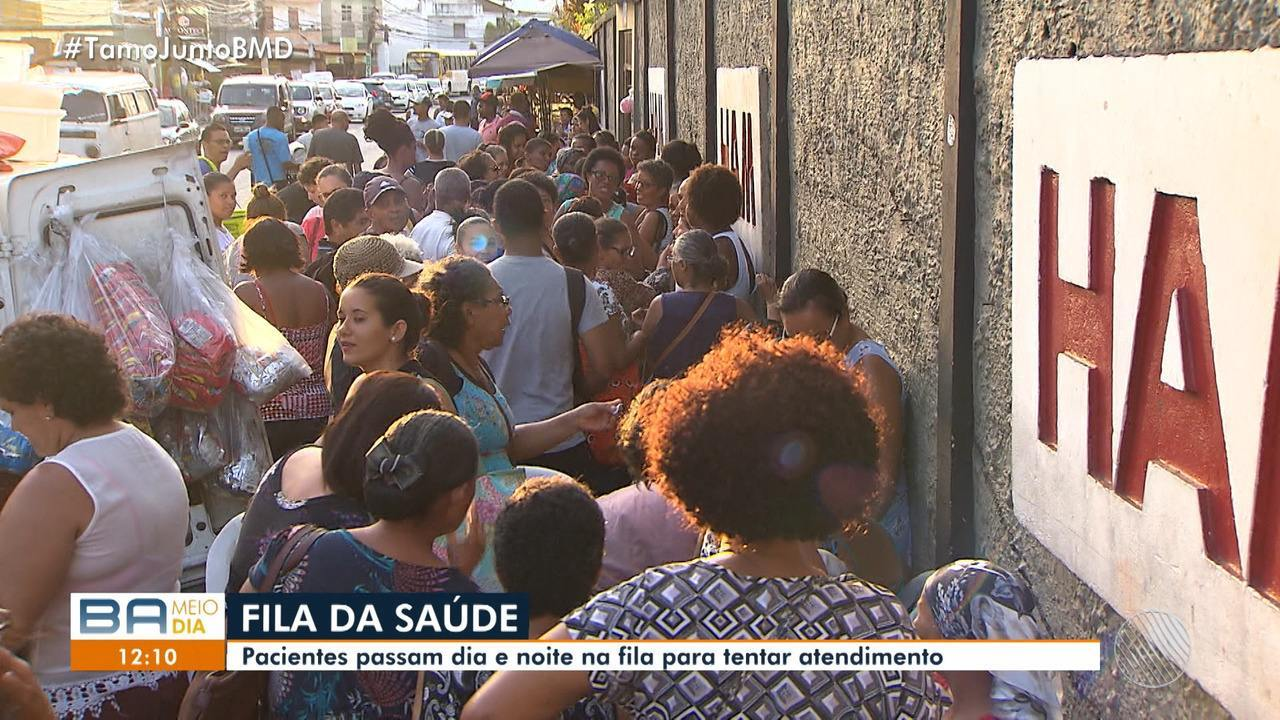 Pacientes com câncer enfrentam longas filas em busca de atendimento no Aristides Maltez