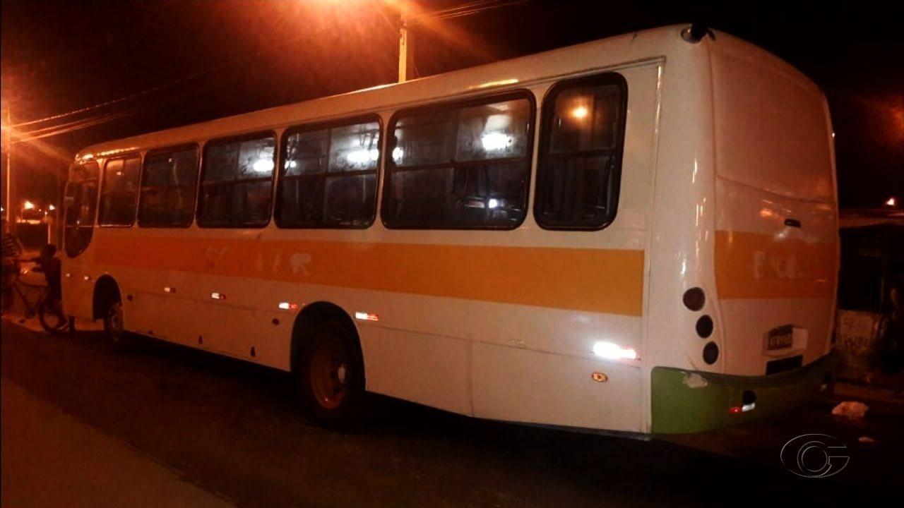 Menina de 10 anos atropelada por ônibus escolar é enterrada em Rio Largo, AL