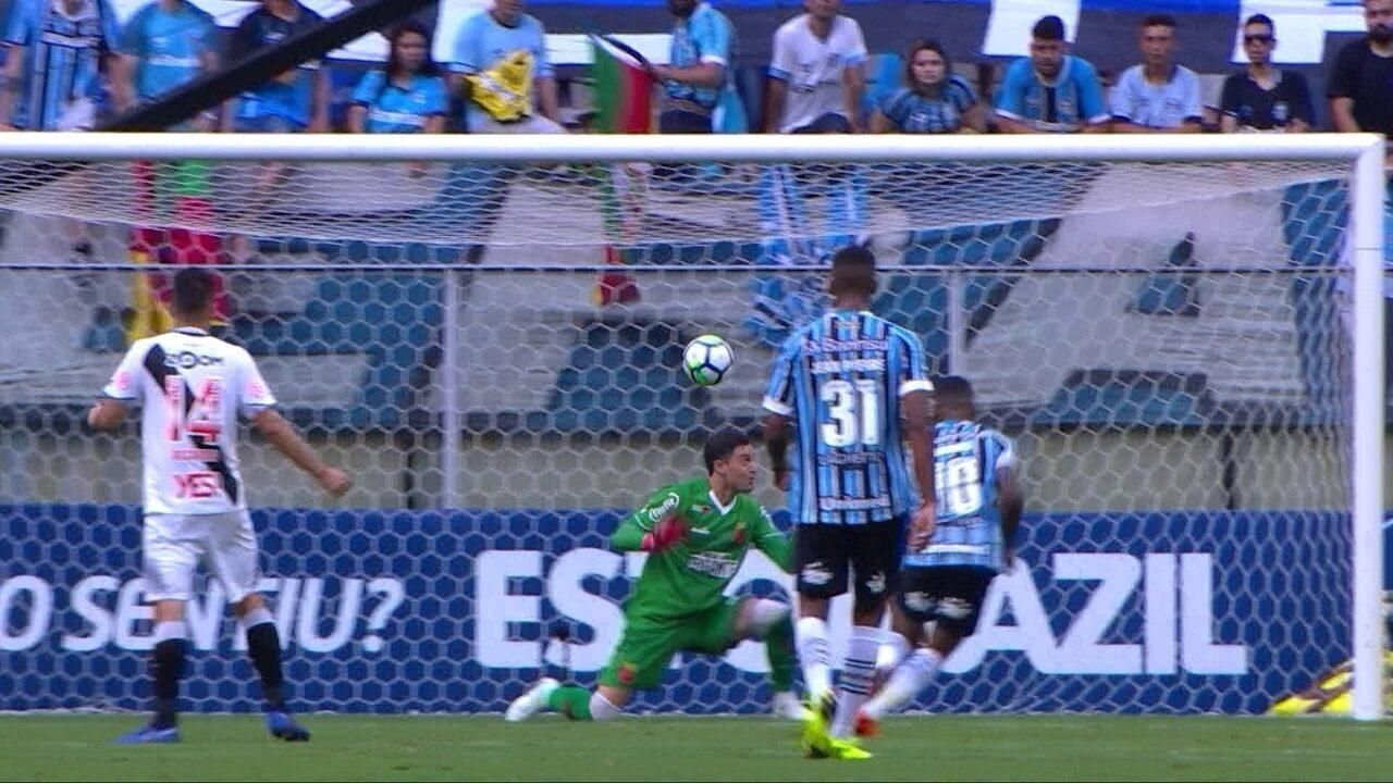7bf1403777348 Martín Silva ganha apoio do elenco do Vasco após falha