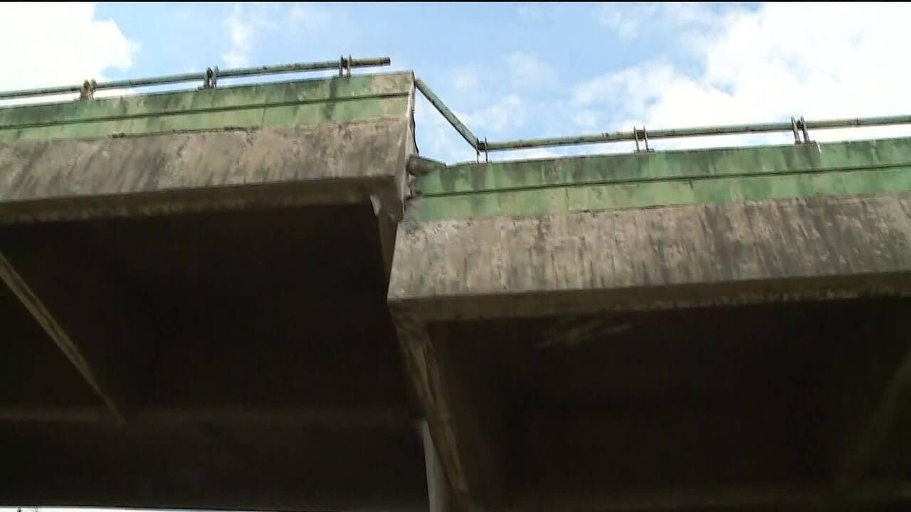 Viaduto na Marginal Pinheiros cede quase dois metros e causa transtorno ao trânsito em SP