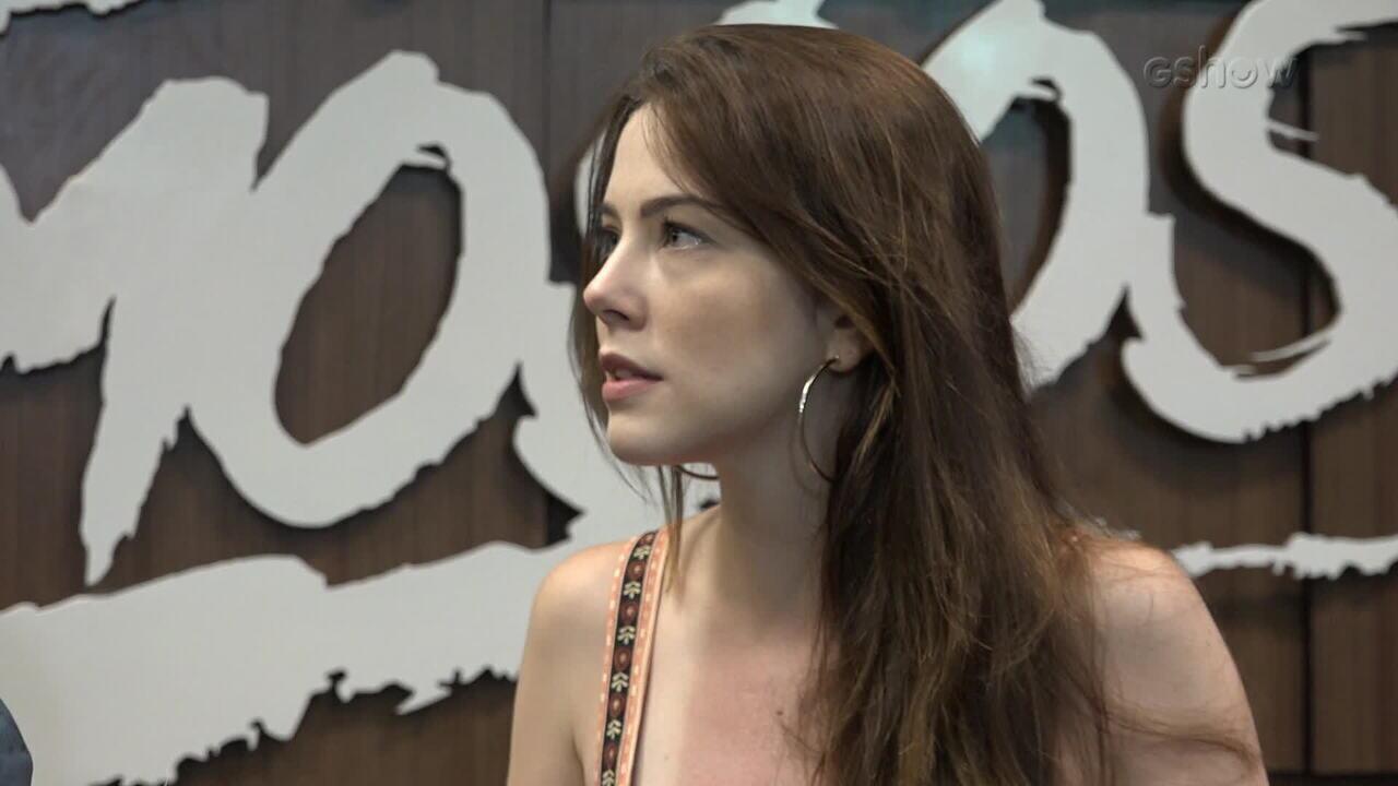Bia Arantes fala sobre o namoro com Vinícius Redd
