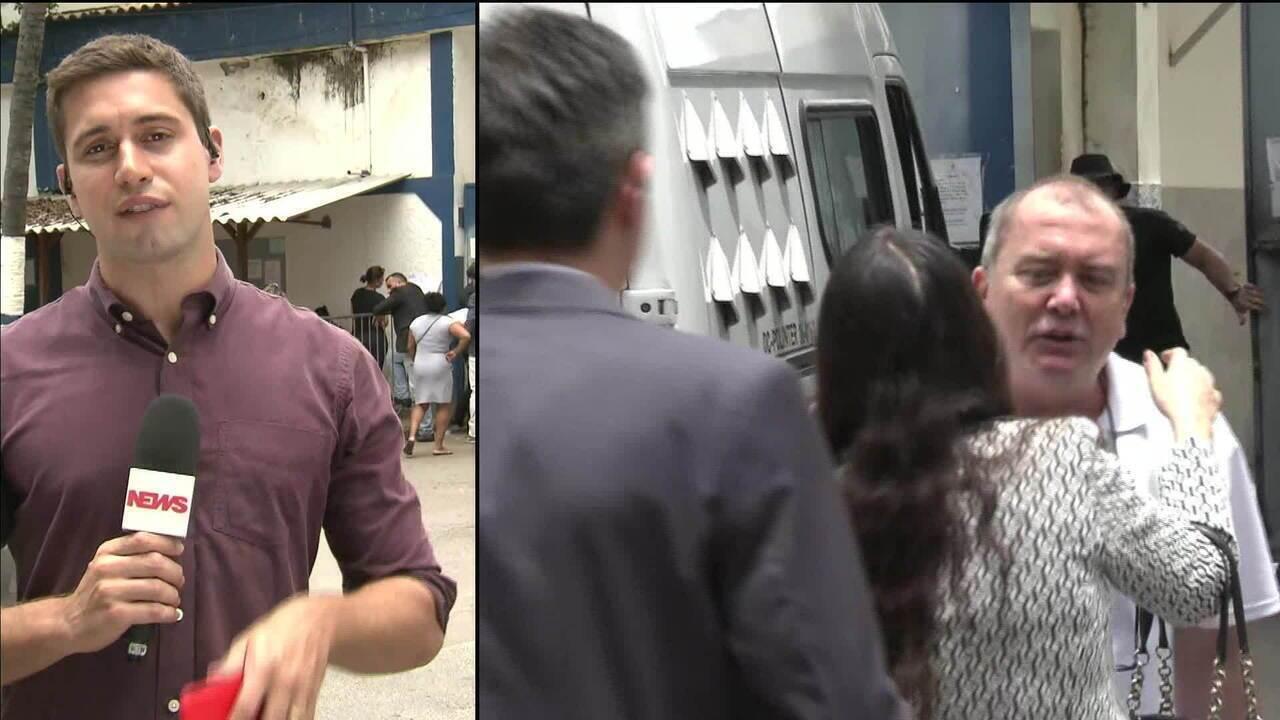 Carlos Miranda deixa presídio no Rio