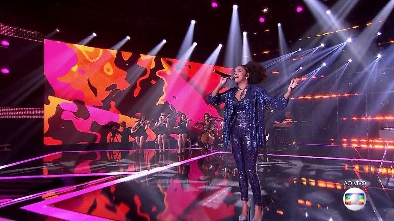 Jeniffer Nascimento cantou 'Um Dia de Domingo'