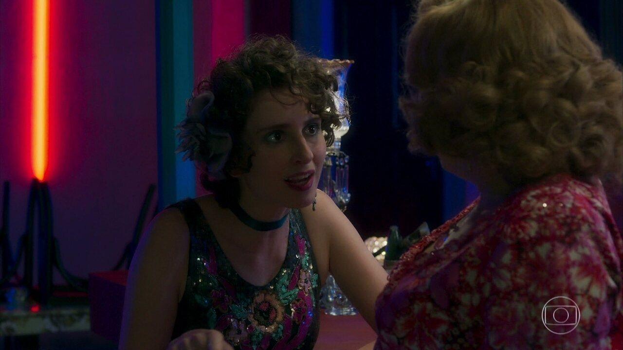 Sampaio não deixa Stefânia tirar sua roupa, e Ondina decide agir