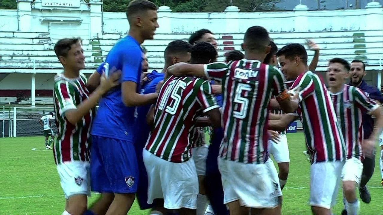 As defesas de pênaltis de Marcelo na semifinal da Copa do Brasil Sub-17  contra 57782526f81f7