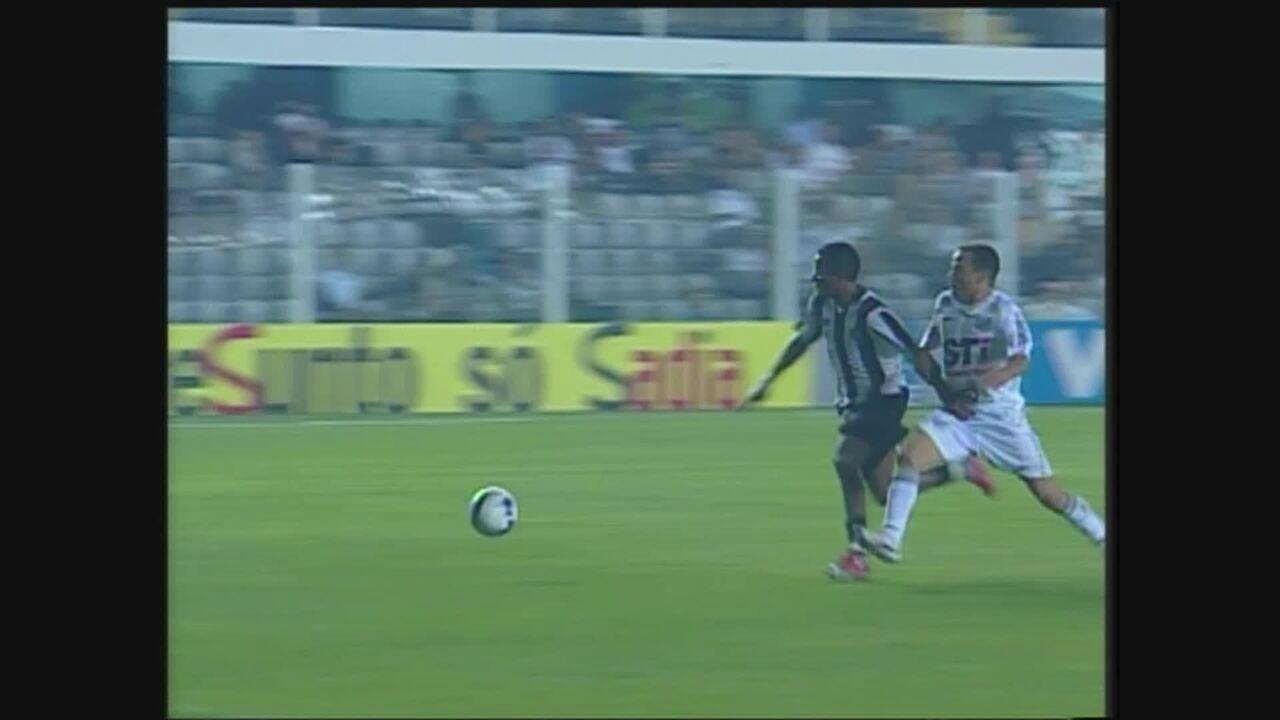 Você se lembra? De virada, Atlético-MG vence Santos por 3 a 2 no Brasileiro de 2009