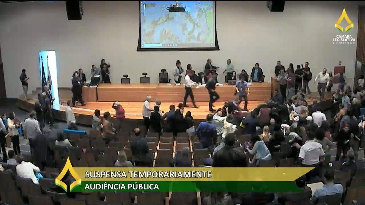 Audiência na Câmara do DF termina em pancadaria