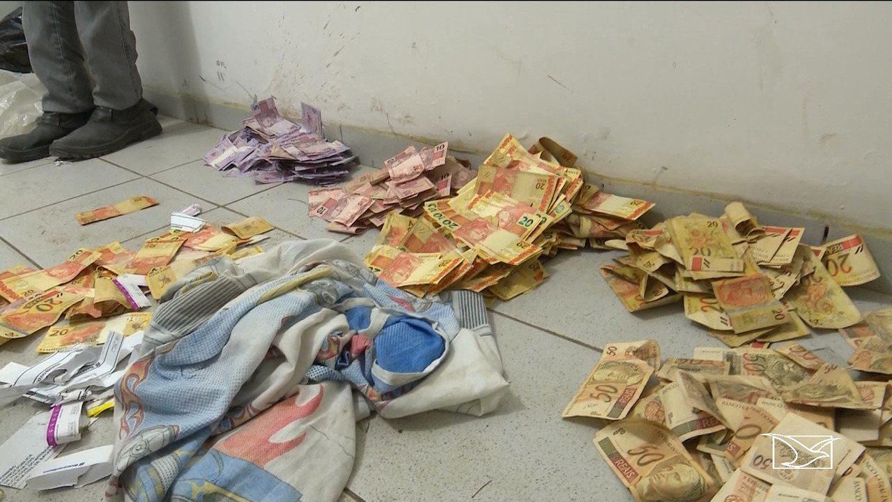 Polícia recupera dinheiro levado pela população após assalto a banco em Bacabal