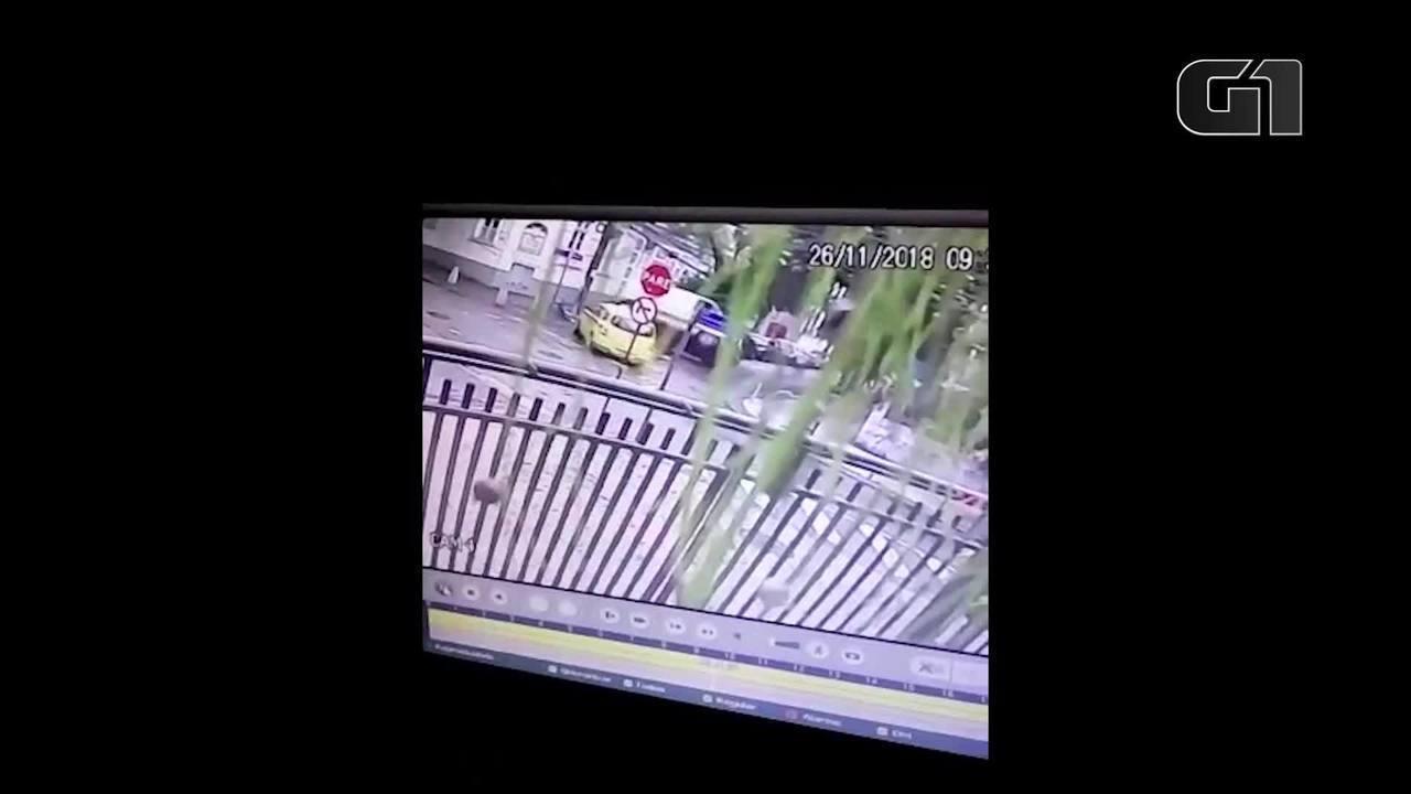 Câmeras mostram o acidente que matou menino em cruzamento em Botafogo, no Rio