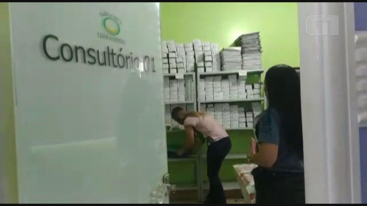 Polícia Civil prende dentista e recolhe remédios e documentos em consultório em SP