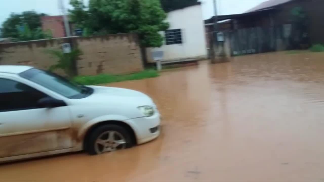 Outro ponto de alagamento foi registrado por moradores na Zona Sul de Porto Velho