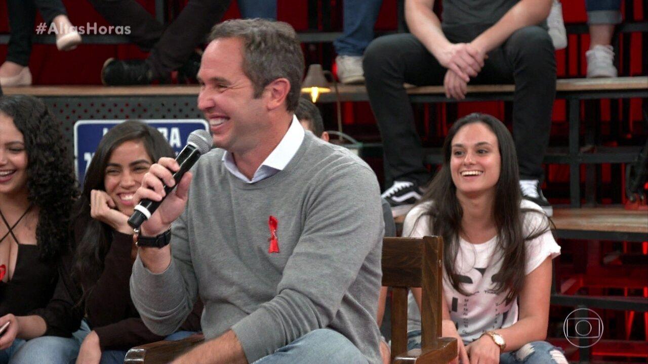 Caio Ribeiro diverte contando história engraçada sobre torcida do filho