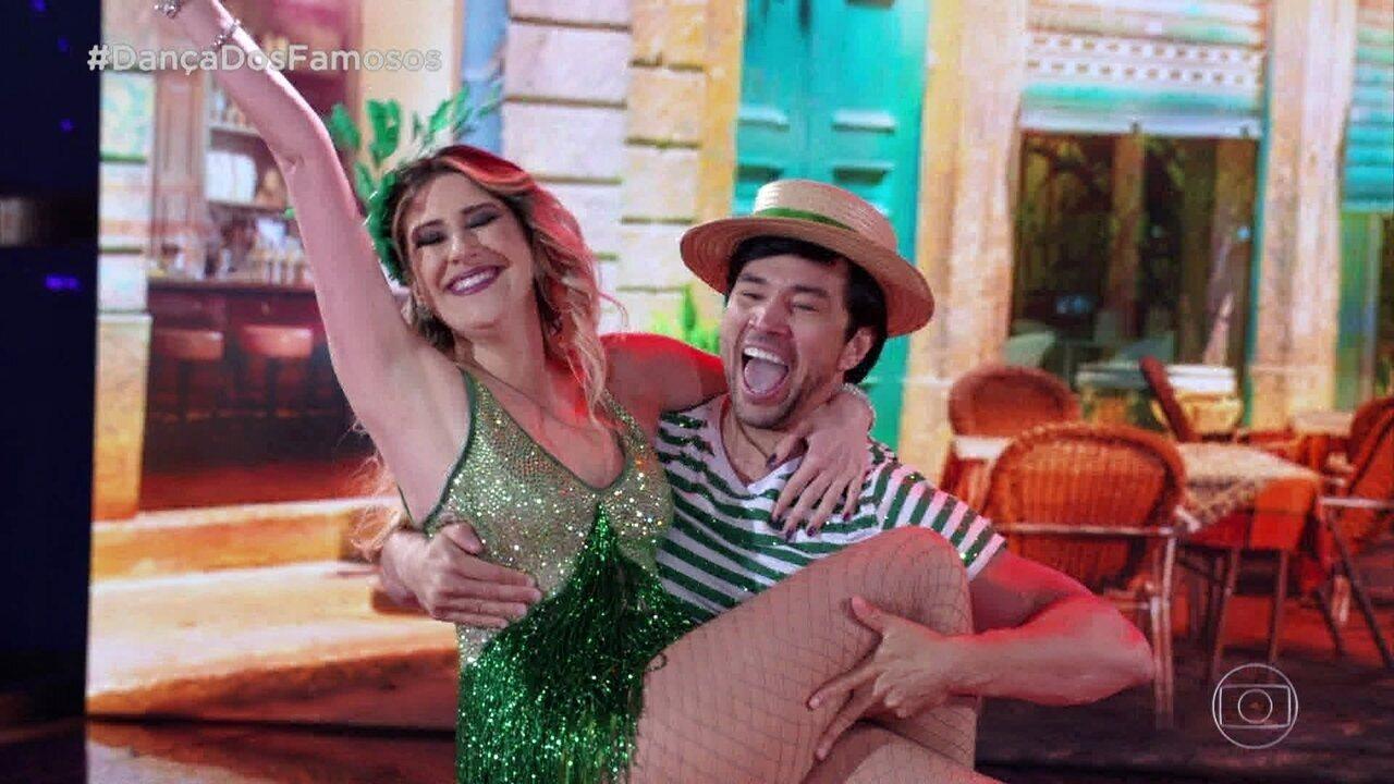 Dani Calabresa e Reginaldo se apresentam com o ritmo Samba