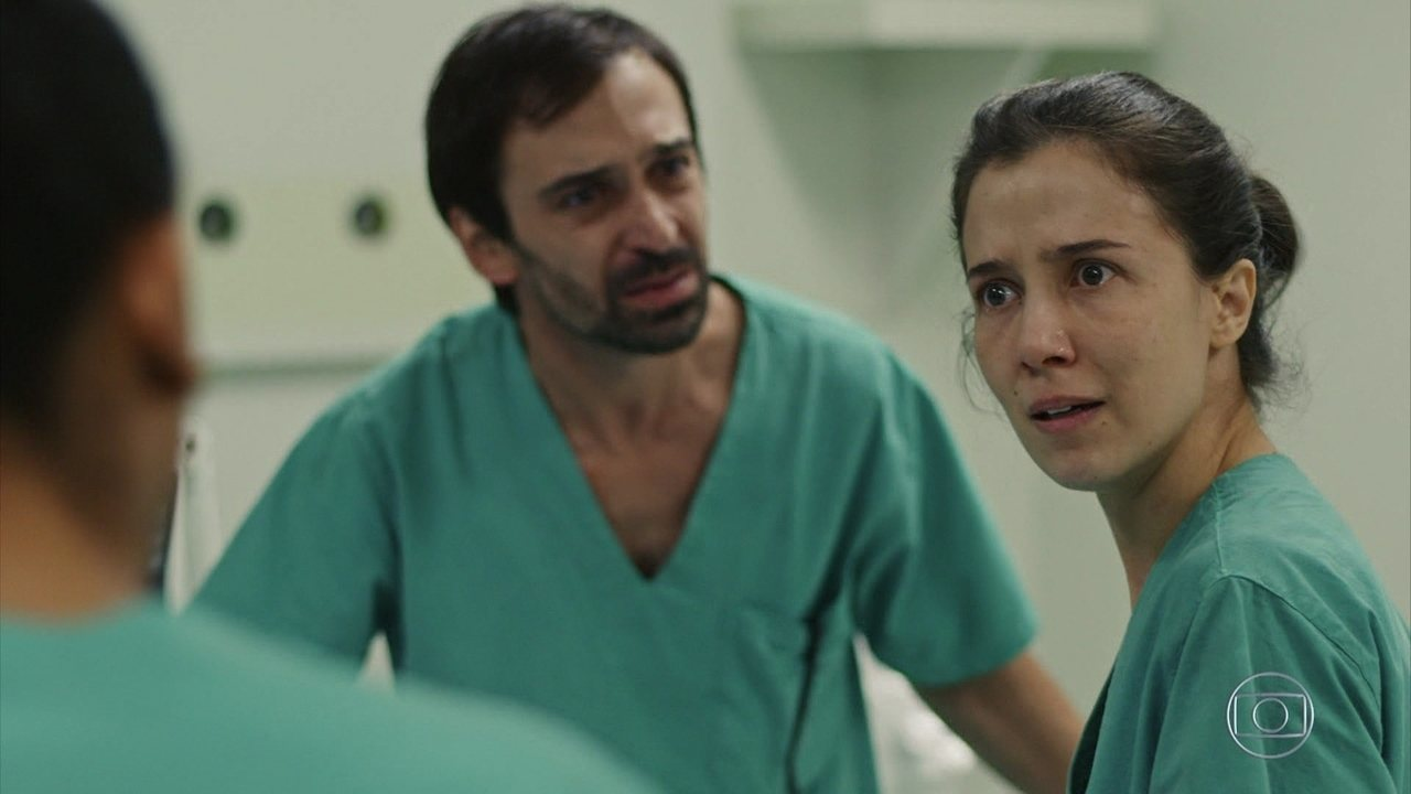 Carolina aplica ampola errada e mata Samuel